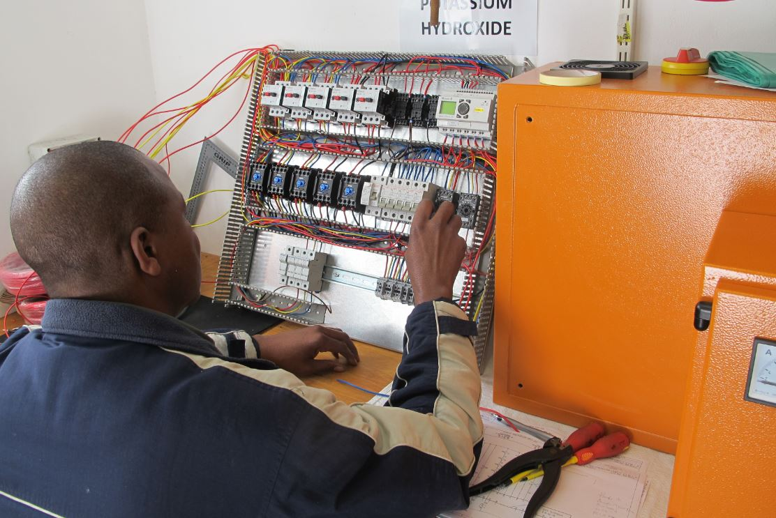 Motor Control Panel Hwt Machine Wiring Amos The Technician At Work